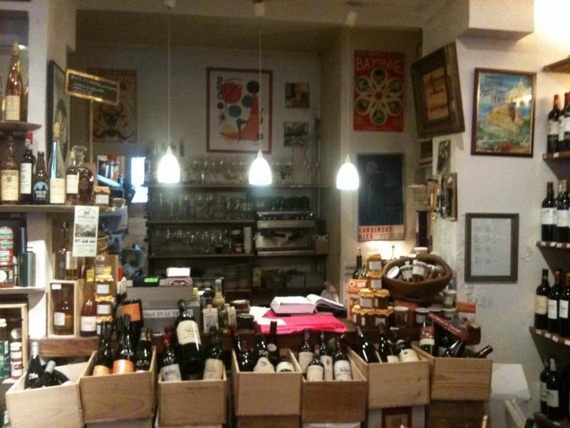 Caisses de vin - rue brunel